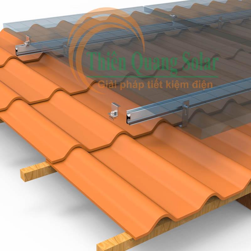 Khung lắp pin năng lượng măt trời trên mái ngói