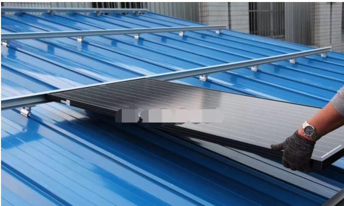 Cách lắp đặt các tấm pin mặt trời trên các loại mái nhà khác nhau