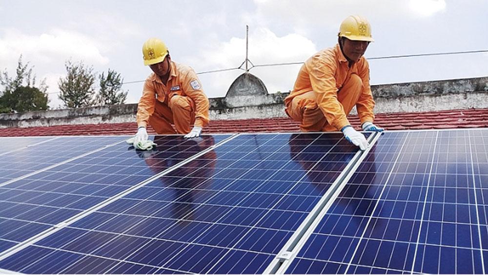 Hệ thống điện mặt trời áp mái đang phát triển mạnh nhất từ trước đến nay